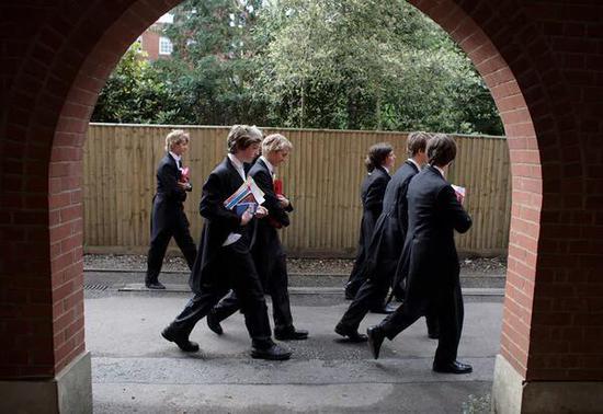 英国公立学校教师:我们该向伊顿公学学什么